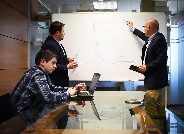 Personal operativo de sistemas y departamento comercial Wincontrol Seguridad